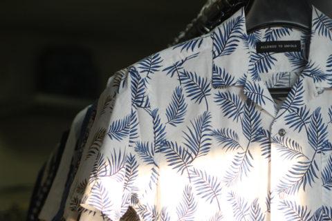 ヤシの葉アロハシャツ陳列②