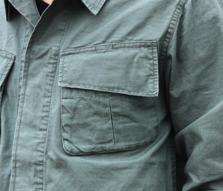 ミリタリーシャツ ポケット