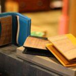 【新年は春財布で迎える】木とレザーを使った財布
